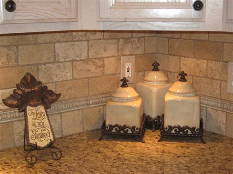 kitchen backsplash travertine tile kitchen ideas on pinterest old world kitchens