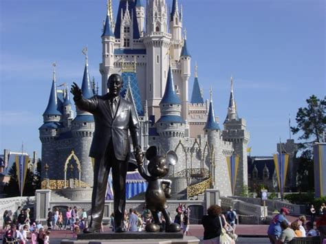 walt disney world orlando hotels zika disney world zika