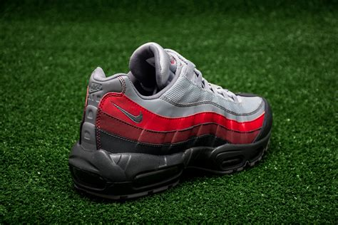 Casual Pria Nike Airmax Zero Made In 4 Warna 39 44 nike air max 95 essential shoes casual sporting goods sil lt