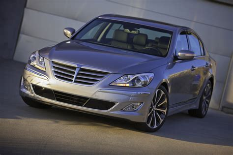 2013 hyundai genesis sedan photo gallery autoblog