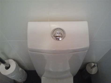 stortbak wc werking doorlopend toilet maar krijg stortbak niet open