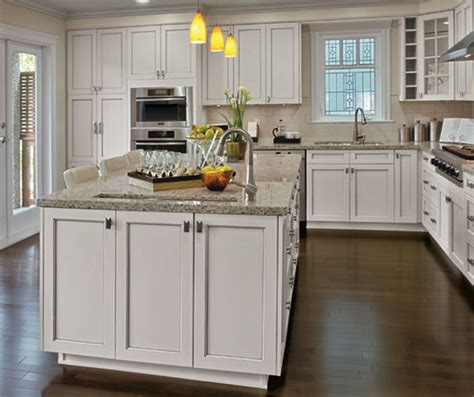 craft kitchen cabinets painted kitchen cabinets in alabaster finish kitchen craft