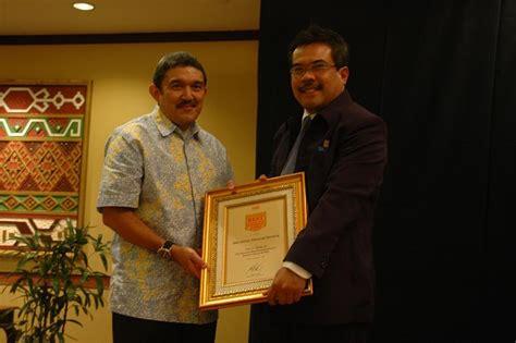 Best Mba In Indonesia best mba mm program in indonesia opera dermawan wibisono