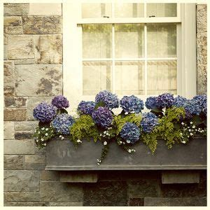 17 best ideas about window box flowers on flower boxes window boxes and outdoor