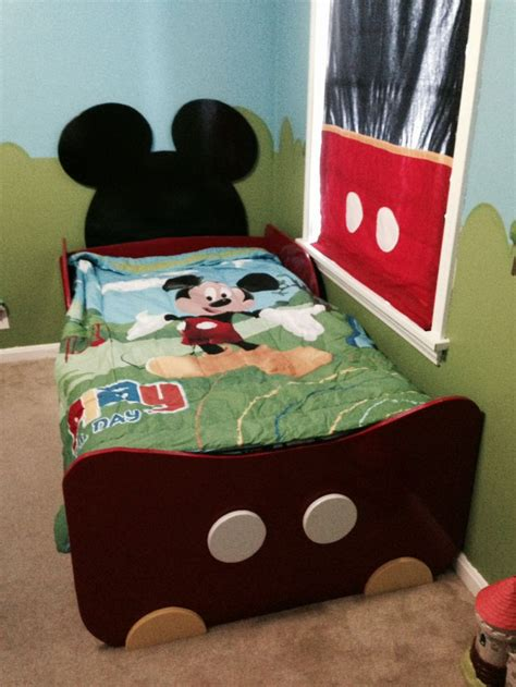 Mickey Toddler Bedding by 25 Best Ideas About Mickey Mouse Toddler Bed On