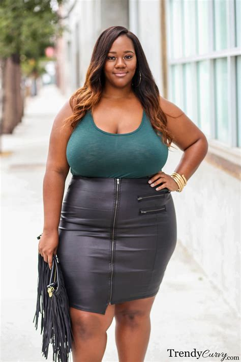 who is the big breasted black woman in liberty commercials on the edge outfit details on trendycurvy com photographer