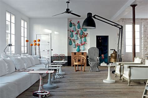 the interiors of the parisian apartments paola navone s paris apartment elle decoration