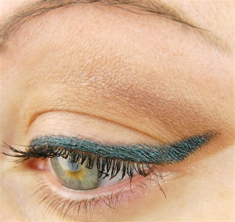 Mac Fluidline Eyeliner mac cosmetics fluidline eye pencil in water willow review swatch and review