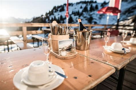 An Apres Ski Delight From Philosophywhether Or Not You Actually Hit The Slopes Fashiontribes by The Best Mountain Restaurants In Kitzbuhel Ski Resort