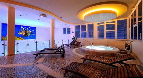 villa fiorita foligno piscina coperta anche per bambini hotel villa fiorita di