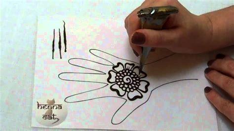 hennacat com henna tutorials how to draw a simple flower