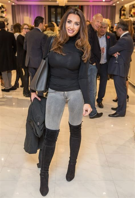 Dormer Ie Lauren Goodger Looks Incredible As She Flaunts Her Figure