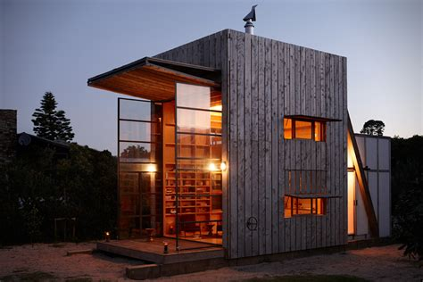 Small House Architecture Nz Whangapoua Is A Tiny Portable House Built On Sleds