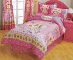 strawberry shortcake bedroom decor strawberry shortcake bedding for a baby nursery room