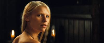 claire danes yvaine hakojou through the four corners of a box shape july 2010
