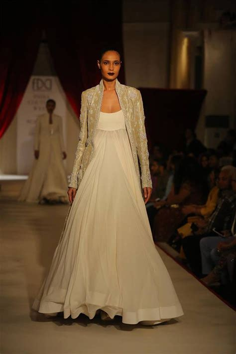 Frock Horror Of The Week Catwalk 17 by Indian Dresses For 2018 Designer Dress Trends