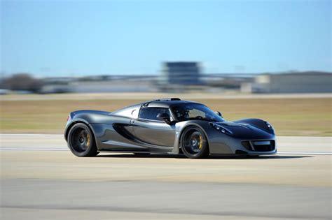 Venom GT Bate o Recorde de Velocidade Máxima | GearHeadBanger Hennessey Ok