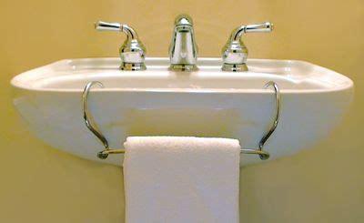 pedestal sink towel bar pedestal sink towel bar toweltender bathroom