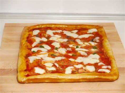 ricetta della pizza fatta in casa ricetta della pizza margherita fatta in casa dareagle