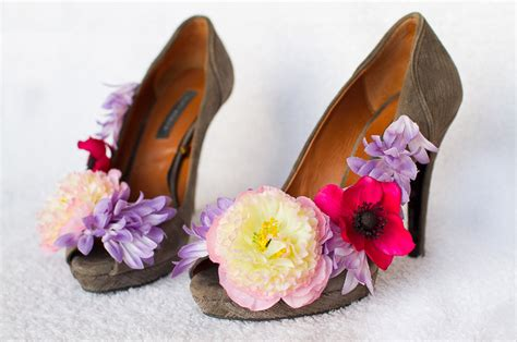 Wedding Shoes With Flowers by Wedding Diy How To Make Flower Shoes Bespoke