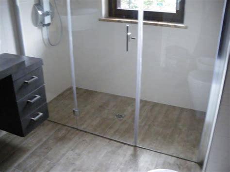 box doccia legno box doccia con piatto filo pavimento legno box doccia torino