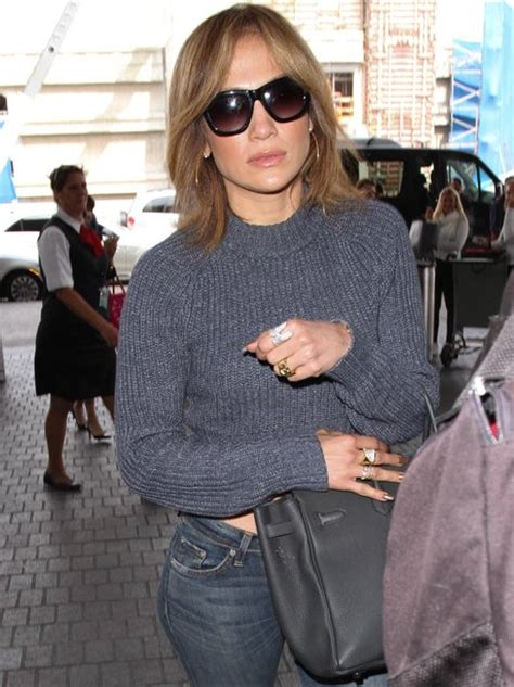 jlos new haircut 2015 showing off a new trim j lo reveals a shorter bob style