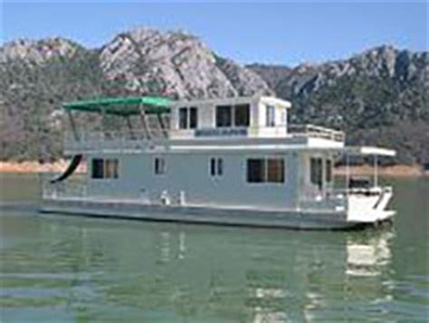 fishing boat rentals shasta lake houseboats shasta lake ca holiday harbor resort marina