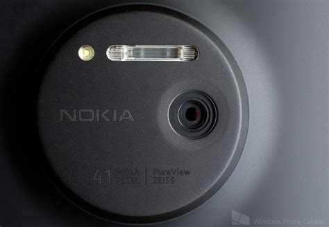 nokia phone with 41mp nokia lumia 1020 a closer look at the 41mp pureview