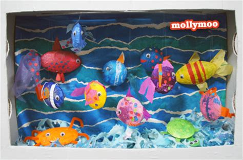 How To Make A Paper Aquarium - mollymoocrafts diy cardboard aquarium craft mollymoocrafts