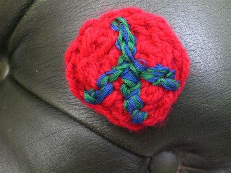 finger knit projects finger knit brooches 183 how to stitch a knit or crochet