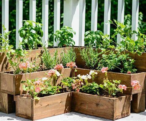 diy herb gardens   space