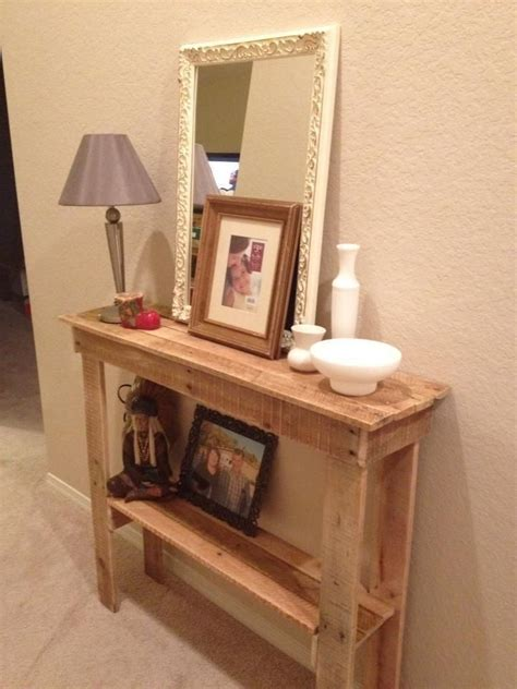 rustic foyer table   pallets  mom  awesome