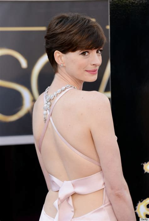 A Closer Look At The Oscars Hathaway by Hathaway Oscar Dress 2013 See Carpet Look