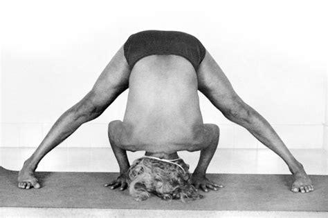 bks iyengar yoga the 1409343472 iyengar scoliosis an incredible read quot symmetrical adjustment will not change an asymmetrical