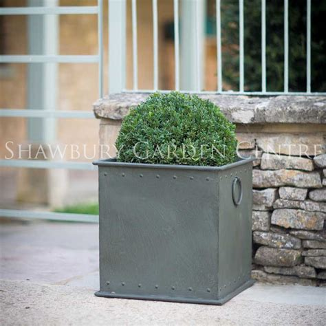 Large Metal Planters Garden Trading Tetbury Riveted Planter Large