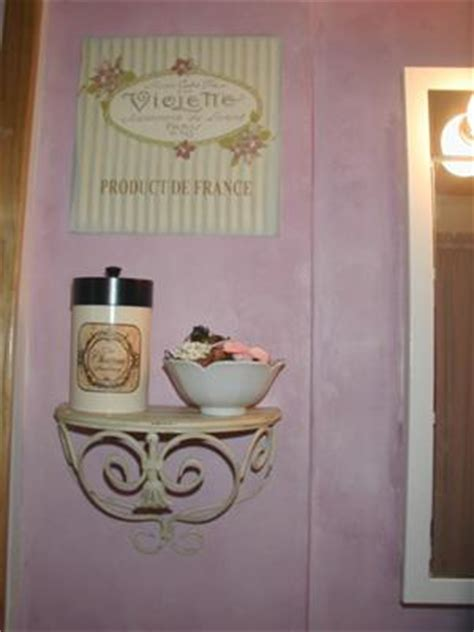 shabby chic decorative paint finish in the bathroom