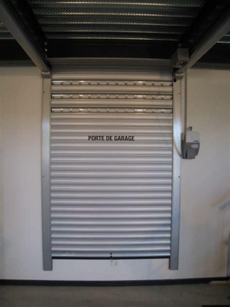 les portes de garage a refoulement plafond lakal dans le