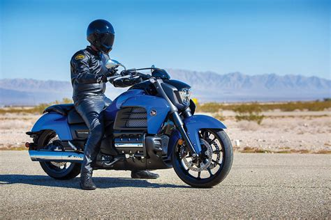 honda valkyrie 2014 honda valkyrie your valhalla of power cruisers