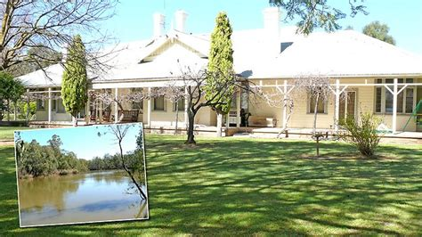 homesteads for sale majestic mansion kunanadgee homestead on the murray river
