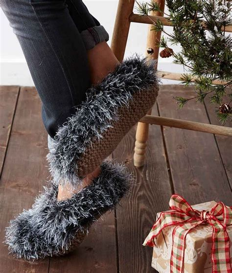 knitting with fur fuzzy faux fur knit slippers allfreeknitting