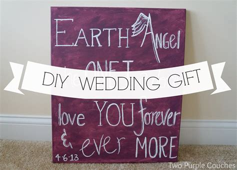 diy wedding gift ideas for best friend diy wedding gift lyrics on canvas two purple couches