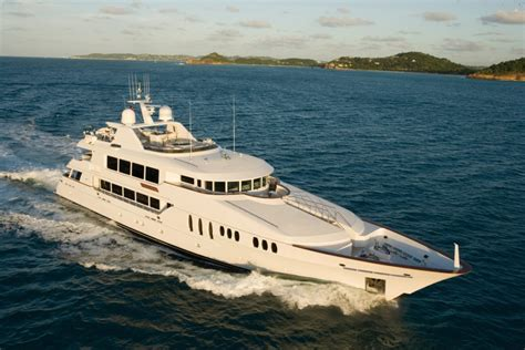 boat brokers queensland trinity yachts custom motor yacht power boats boats