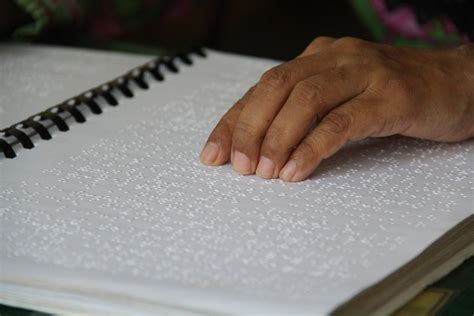 how to write braille on paper amazing recitation by blind using electronic braille