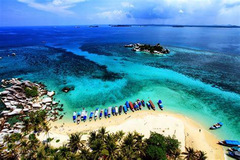 by pandu adnyana flickr borobudur temple panorama via wikimedia most beautiful scenery indonesia most beautiful places