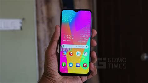 samsung galaxy m20 review decent performance and battery but an average