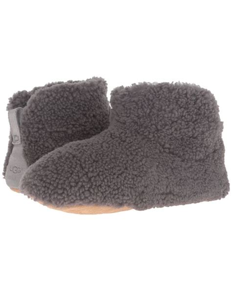 Cardy Tri Button Black ugg 174 classic cardy button detailed knit boots in black save 76 lyst