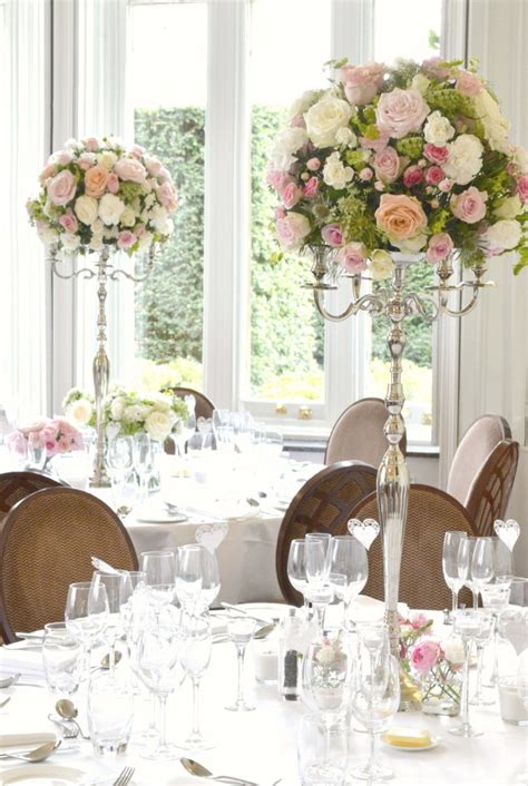 wedding table flower decorations uk fawsley wedding flowers and cake ch 233 rie