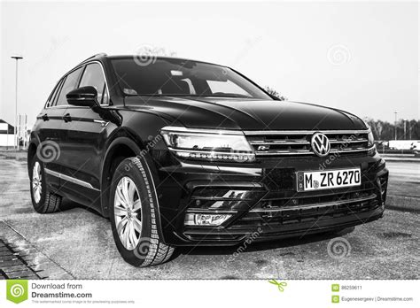 volkswagen tiguan 2017 black volkswagen tiguan 4x4 r line 2017 editorial photo