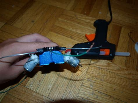 membuat robot mainan cara membuat robot mainan sederhana dari barang bekas
