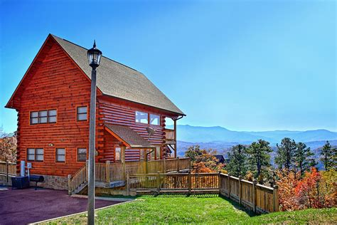 Log Cabins Pigeon Forge Tn by Sugar Maple Luxury Log Cabins Inside Pigeon Forge Tn
